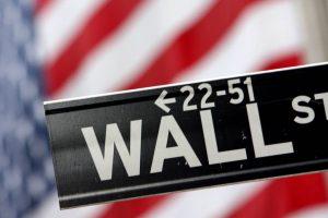 Die Wall Street öffnet tiefer, da die Anleger die BIP-Daten bewerten